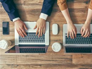 Outsourcing digital technology advisors